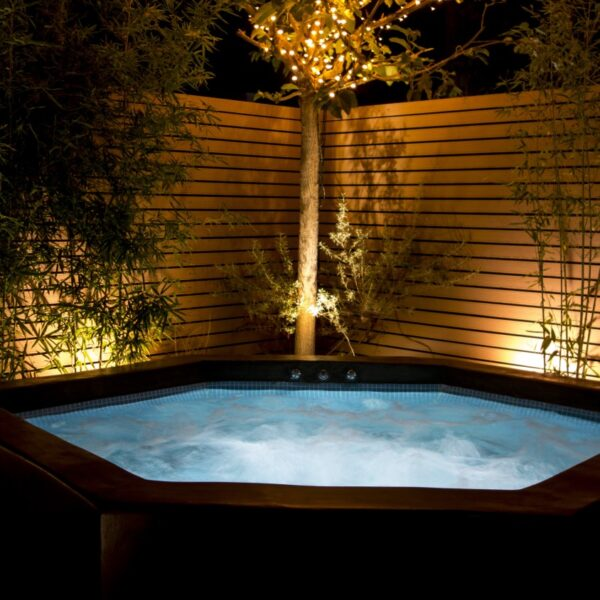 Garden Suite Hot tub in the evening