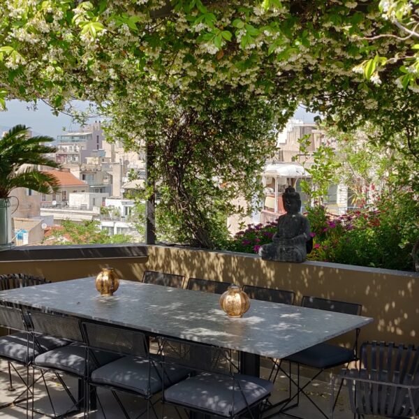 Penthouse Outdoor dining area