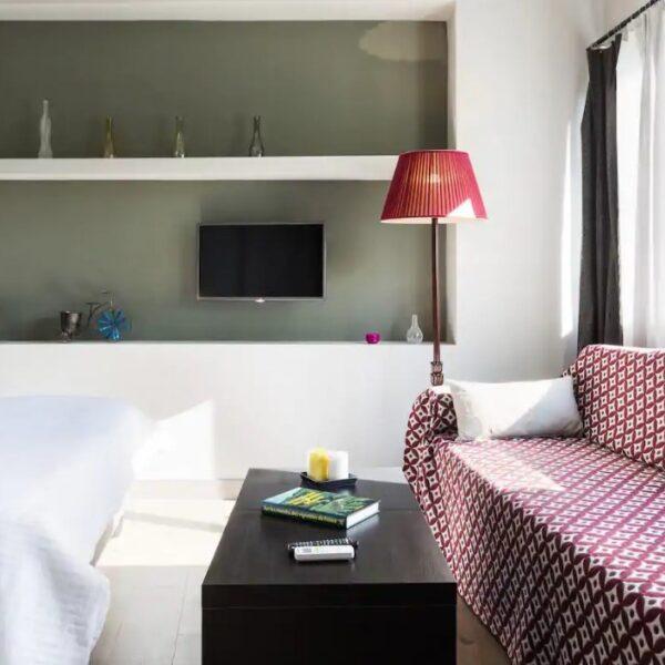 Suite 103 Living Room